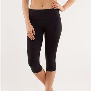 Lululemon Capri Leggings in Black